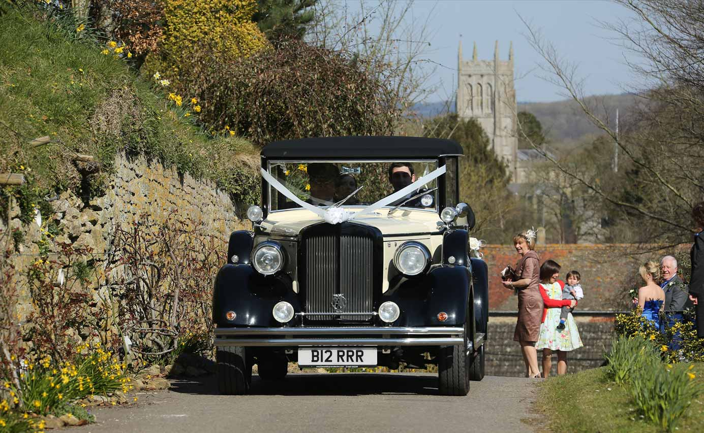 Longhouse weddings - arriving in style