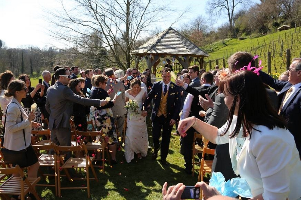 Your Guide to a Beautiful Spring Wedding