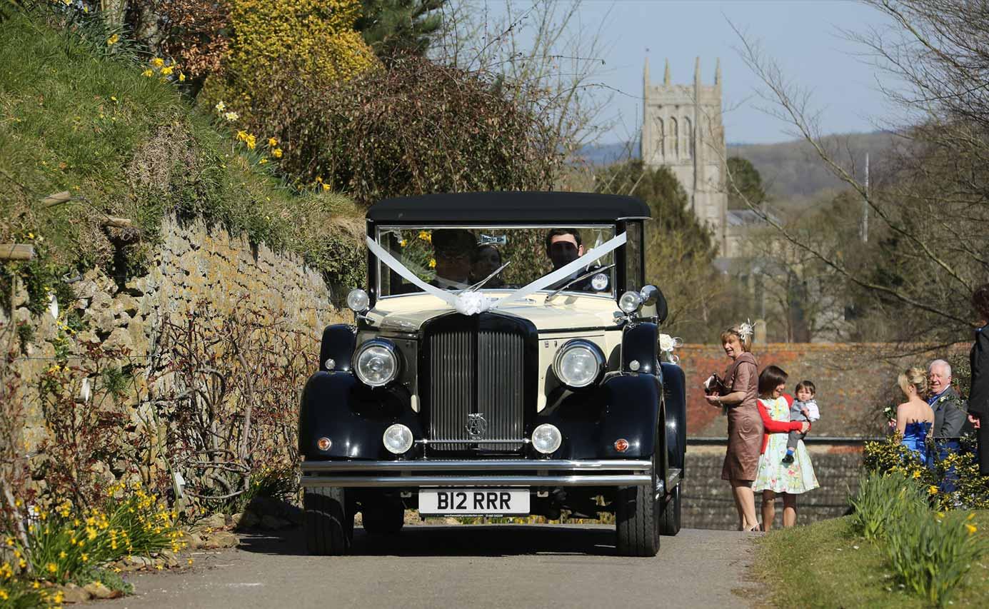 Longhouse weddings - arriving in style